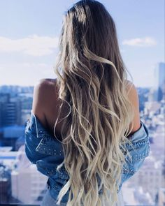 Instantly transform your hair with Ash Blonde clip-in Luxy Hair extensions and feel more confident with thicker, longer hair than you've ever had before! Ash Blonde is the lightest shade in our collec Ombré Hair, Wavy Hair, New Hair, Your Hair, Thick Hair, Girl Hair, Easy Hairstyles For Long Hair, Cool Hairstyles, Beach Hairstyles