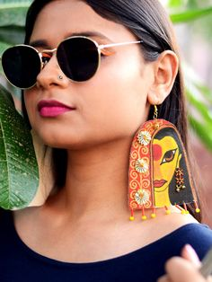Jewelry OFF! Awwrat Handpainted Earrings – Krafted with Happiness Diy Fabric Jewellery, Fancy Jewellery, Fabric Earrings, Textile Jewelry, Diy Earrings, Earrings Handmade, Teracotta Jewellery, Terracotta Jewellery Designs, Geode Jewelry