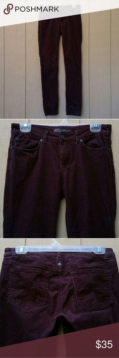 Prana Pants 6 Lovely pair of Prana Pants size 6. When laying flat, they have approximately a 15 inch waist and 32 inch inseam. In great condition with no blemishes. They are a shade lighter than the photos are showing... I've tried everything haha! Prana Pants Straight Leg