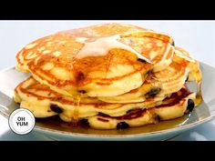 Anna Olson Recipes : The Fluffiest Blueberry Pancakes - Anna Olson - Anna Olson Recipes Video Anna Olson Recipes Anna makes a classic breakfast recipe. These light, fluffy blueberry pancakes will start your day right! What's For Breakfast, Breakfast Items, Breakfast Recipes, Pancake Recipes, Blueberry Pancakes, Pancakes And Waffles, Baking Recipes, Snack Recipes, Dessert Recipes