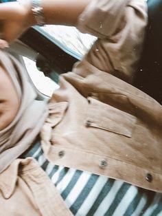 Best Photo Poses, Girl Photo Poses, Girl Photography Poses, Beautiful Girl Photo, Cute Girl Photo, Beautiful Hijab, Hijab Fashionista, Casual Hijab Outfit, Hijab Chic