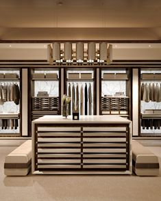 14 Walk In Closet Designs para casas de luxo - house - Walk In Closet Design, Bedroom Closet Design, Master Bedroom Closet, Closet Designs, Luxury Wardrobe, Luxury Closet, Walk In Wardrobe, Dressing Room Design, Closet Layout