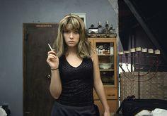 Lise Sarfati - Official Website - The New Life Women Smoking, Girl Smoking, Lise Sarfati, Photo Class, Girls World, Female Photographers, Contemporary Photography, New York Street, New Life