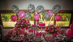 Júlia 16 anos - Festa Pink , Preto e Zebra - Mimos e Delícias