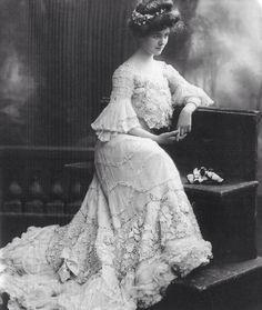 Victorian /Edwardian Dress