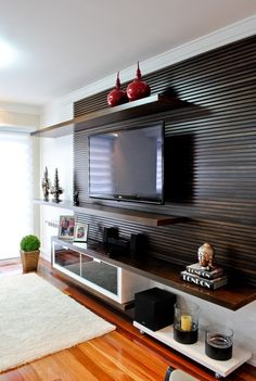 Home Theaters: 40 projetos de CasaPRO para você ter um cinema em casa – Herzlich willkommen Tv Unit Design, Tv Wall Design, Home Design, Interior Design, Design Ideas, Interior Paint, Bohemian Living Rooms, Living Room Decor, Living Room Home Theater