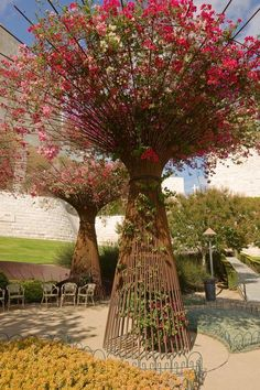 "How Western artists do gardening A Westerner who isn't a gardener created a Western garden. That's the short version behind these awe-inspiring ""trees"" made from rebar and filled with bougainvillea in the Central Garden at L.'s Getty Center. Dream Garden, Garden Art, Garden Trellis, Garden Structures, Garden Planning, Garden Projects, Backyard Landscaping, Garden Inspiration, Beautiful Gardens"