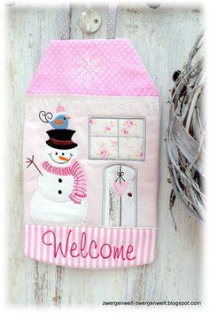 Der Stickbär Winter Welcome House ITH gestickt von Cornelia
