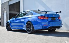Bmw M4, Bmw 3 Series, Car Parts, Car Ins, Hot Cars, Picture Video, Dream Cars, Badass, Cool Pictures
