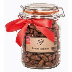 En av våre smaksfavoritter! Tradisjonsrik og deilig smak, med en anelse kanel og vanilje. Denne julefavoritten er veldig populær, og brente mandler på Norgesglass er like hyggelig å få som å gi. Tilleggsinformasjon Merke NORGESGLASSET Serie NORGESGLASS Materiale Glass SKU NG212141BB-10 Vekt 1.1000 Vedlikehold Norgesgl Protein, Products, Gadget