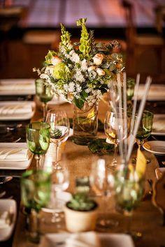 Pretty green table decor | Jorge Kick Photography
