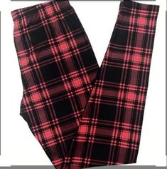 ONE Size Black Red Tartan Plaid Winter Leggings by JewelryAppeal on Etsy Tartan Leggings, Women's Leggings, Winter Leggings, Fall Plaid, Tartan Plaid, Beste Leggings, Buttery Soft Leggings, Red And Black Plaid, Trending Outfits