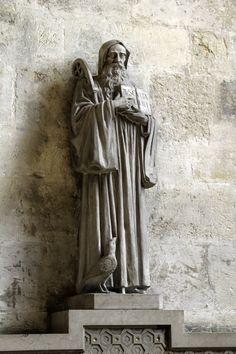 Saint Benedict / San Benito / Saint Benoît // Statue of the father of Western monasticism in the church of St-Germain-des-Prés in Paris. Paris Photos, Sacred Art, Religious Art, Siena, Ancient Art, Saints, Father, Sculpture, Autumn