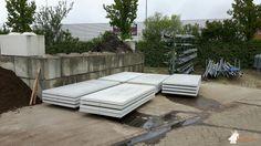 Onderplaat betonbank bij Gemeentewerf in Cuijk
