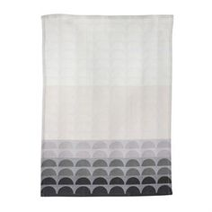 Make the kitchen chores a little more fun with the lovely Bridges kitchen towel from Ferm Living. The kitchen towel is made of fine organic cotton and has a beautiful graphic pattern inspired by bridges in different shades. Match the kitchen towel with other kitchen accessories from Ferm Living to create a personal and homely look! Choose between different colors.