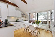 vigas en el techo tragaluces decoración interiorismo nórdico diáfano estilo decoración nórdico decoración nórdica escandinava decoración mue...