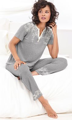 A gorgeous print gives this pajama top a refreshingly feminine look. Contrasting trim frames your face, while kimono styling creates a modern silhouette. Pajamas All Day, Pajamas Women, Cute Sleepwear, Lingerie Sleepwear, Night Suit, Night Gown, Pyjamas, Pjs, Best Lingerie