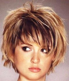Choppy bob with bangs. Choppy bob hairstyles for thick… More 20 choppy bob hairstyles. Choppy bob with bangs. Choppy bob hairstyles for thick… Bob Hairstyles For Thick, Haircuts For Fine Hair, Haircut For Thick Hair, Hairstyles For Round Faces, Messy Hairstyles, Short Haircuts, Thin Hair, Hairstyle Ideas, Hairstyle Pictures