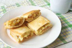 リンゴ、バナナ、クリームチーズのABCサンド - sweet A-B-C sandwich, stands for Apple, Banana and Cream cheese