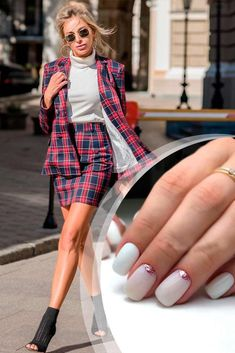 Simple Charming Mani For Plaid Suit ❤️ Those of you who are looking for a trendy business casual nails compilation have certainly come to the right place! The pickiest of you will be satisfied! ❤️ See more: naildesignsjourna. Eyelashes Tutorial, Casual Nails, Plaid Suit, Business Outfit, Work Looks, Every Woman, Lady, Fashion Photography, Nail Designs