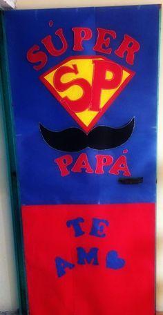 Puerta decorada del mes de junio/ día del padre