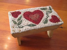 "Hooked Rug Pattern - ""Two Solitudes Bench Topper"" - 7"" x 12"" - Hearts and Vines"