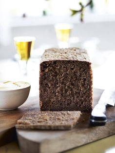 Rye bread recipe Courtesy of Trine Hahnemann from her cookbook 'Scandinavian Comfort Food' where she focuses on the art of 'Hygge' Scandinavian Food, Rye Sourdough Starter, Sourdough Rye Bread, Rye Bread Recipes, Keto Recipes, Norwegian Food, Norwegian Recipes, Food Porn, Kitchens