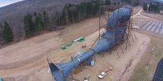 Una turbina eólica con base en forma de túnel que puede producir hasta el 600 % más de energía que las turbinas eólicas tradicionales. Smart Water, Outdoor Furniture, Outdoor Decor, Sun Lounger, Wind Turbine, Park, Environment, Shape, Alternative Energy