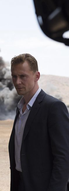 Tom Hiddleston on the set of The Night Manager. Full size image: http://ww2.sinaimg.cn/large/6e14d388gw1f15oia9vvlj22s01ukakz.jpg Source: http://images.spoilertv.com/The%20Night%20Manager/Season%201/First%20Look/ Via Torrilla, Weibo