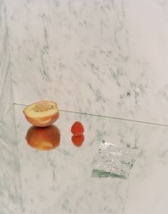 plusnowhere: Flake in his mistake Kayl Parker/ still life with peach