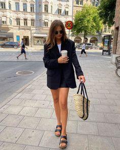 Осень-зима 2020-21 - образы с блейзером от топовых блогеров Photo - Filippa Haag. #блейзер #тренды2021 #трендызима20202021 #образысблейзром #блейзер2021 #осеннийгардероб #зима2021 #образызима2021 #образынаосень #образыназиму Zalando Style, Casual Chic, 21st, Outfits, Inspiration, Straw Bag, Women, Bags, Instagram