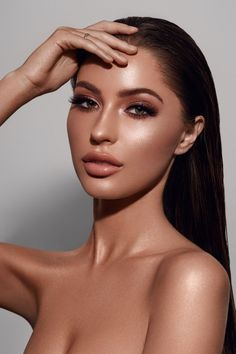 49 Natural Smokey Eye Makeup Looks Outstanding - Make UP Ideen Contour Makeup, Makeup Eyeshadow, Eyeliner Makeup, Highlighter Makeup, Makeup Glowy, Natural Glam Makeup, Smokey Eyeliner, Glitter Eyeshadow, Makeup Geek