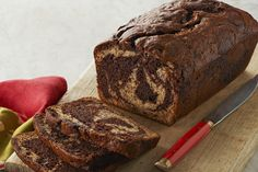 How do you make homemade banana bread even better?  Add in some chocolate and make a Chocolate-Marbled Banana Bread.  Try it - you Banana Bread Recipe With Cream Cheese, Banana Pecan Bread Recipe, Homemade Banana Bread, Chocolate Chip Banana Bread, Cream Cheese Recipes, Banana Bread Recipes, Coffee Cake Loaf, Loaf Cake, Pain Au Sucre