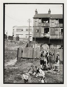 Children in Hills Reserve (Frog Hollow),Surry Hills, 1949 by Ted Hood Old Pictures, Old Photos, The Rocks Sydney, Sydney City, Surry Hills, Historical Images, Slums, New South, Vintage Photographs