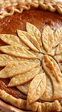 Thanksgiving Pumpkin Pie with Turkey Pie Crust ❊ I can't even ...