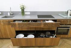 """New Mono Design - Kuchnia """"Gropius"""", połączenie stylu Art Deco z funkcjonalnością nowoczesnej zabudowy kuchennej, www.newmonodesign.pl"""