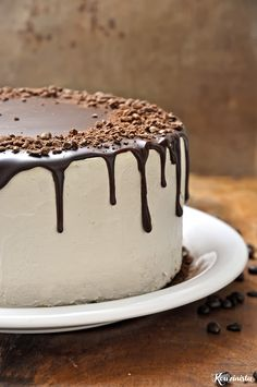 Drip Cake Recipes, Easy Cake Recipes, Sweet Recipes, Dessert Recipes, Greek Desserts, Party Desserts, Vanilla Bean Cakes, Chocolate Drip Cake, Decadent Cakes