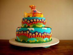 Que tal usar esta inspiração para a próxima festa? Entre em contato com a gente! www.tuty.com.br #Bolo #Cake #YellowSubmarine