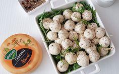 Aperitive rapide cu cascaval si mascarpone - Bucataresele Vesele Potato Salad, Potatoes, Ethnic Recipes, Food, Mascarpone, Potato, Essen, Meals, Yemek