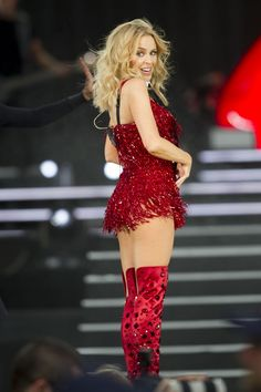Picture of Kylie Minogue Kylie Minogue, I Love Girls, Blake Lovely, Celebrity Boots, Good Looking Women, Female Singers, Gorgeous Women, Beautiful, Carnival