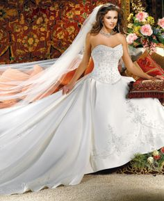 Gorgeous sweetheart ball gown chapel train bridal gowns