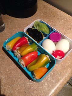Tuna salad stuffed peppers, a delish and filling lunch, with a side of kiwi and blackberries. Also a hard boiled egg for breakfast and one for a 5pm preworkout snack.