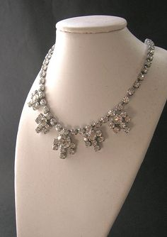 1950s Clear Crystal Rhinestone Necklace  Vintage Necklaces - 28 euro