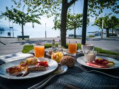 Castle fit for a princess: Château d'Ouchy by Lake Geneva Lausanne, Lake Geneva, Breakfast In Bed, Outdoor Dining, Wonderful Places, Paradise, Yummy Food, Dinner, Mornings