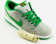 the best attitude 3cf85 b32ae Nike SB Dunk Low - Matte Silver Classic Green - Varsity Red