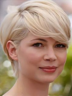 michelle williams hair - cute for when I grow mine out! Love Hair, Great Hair, Gorgeous Hair, Beautiful, Short Layered Haircuts, Short Hair Cuts, Short Hair Styles, Pixie Haircuts, Pixie Cuts