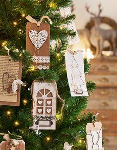 Tres estilos de Navidad en el salón ¿Cuál es el tuyo? · ElMueble.com · Salones