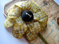 Wendy Vecchi Studio Flowers from her Clearly for Art.and the Yellow Pages. Handmade Flowers, Diy Flowers, Fabric Flowers, Paper Flowers, Paper Art, Paper Crafts, Diy Crafts, Old Book Crafts, Art Classroom