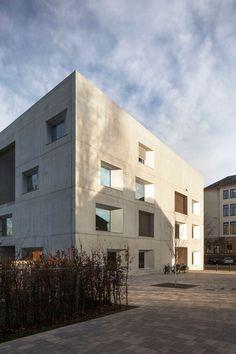 Bruno Fioretti Marquez . Kita Kinderuniversum des KIT . Karlsruhe (4) gevel volume compositie schrijnwerk beton ritmiek