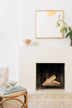 Get cozy with this fresh batch of winter interior design inspiration, modern fireplace edition.